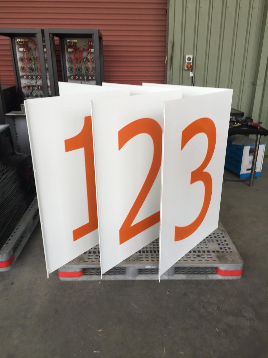 Shop-displays-numbers-7